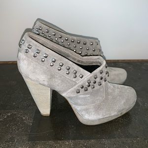 Kenneth Cole heeled booties